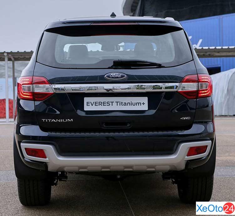 Phần đuôi xe Ford Everest 2021
