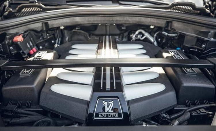 Động cơ V12 của Cullinan 2021