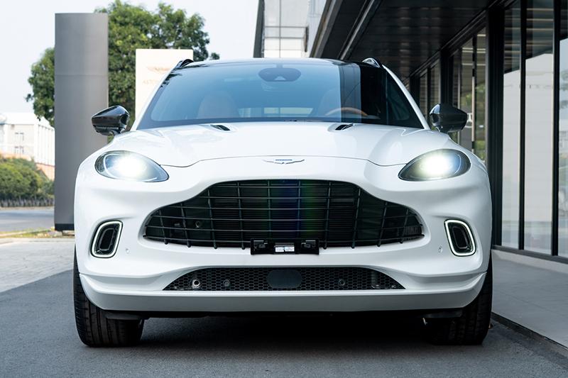 Dau-xe-Aston-Martin-DBX-2021-chinh-hang-Muaxegiatot-vn